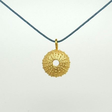 Garota d'en Robert pendant with braided rayon cord